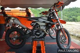 ktm motocross bike 2017 ktm motocross bike range launched in malaysia u2013 six models