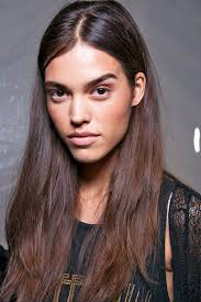part down the middle hair style middle part hair style trend