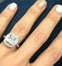 15000 wedding ring dozy husband sells s 15 000 ring for 6 at car boot