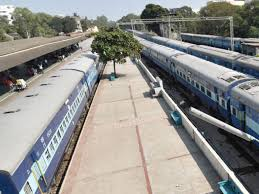 south east central railways hc asks railways to pay rs8 lakh to