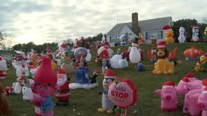 christmas inflatables christmas display returns to mount sidney