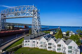 duluth waterfront hotel in duluth mn canal park offers spectacular