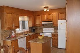 refaire les armoires de cuisine rénovation décapage et fabrication d armoires et comptoirs cuisine