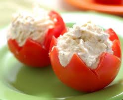 cuisiner des tomates cerises tomates cerises farcies au thon recette de tomates cerises farcies