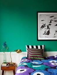 Green Wall Bedroom by That 70s Show Of Hunter Green U0026 Brass It U0027s Back Green Bedroom