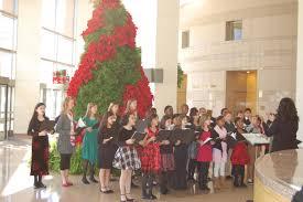 chorus christmas caroling