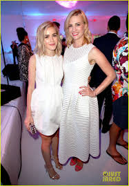 january jones kiernan shipka u0026 jon hamm have u0027mad men u0027 reunion at