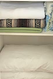 31 days of 15 minute organizing day 6 linen closet organize