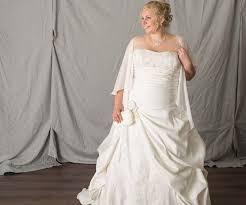 brautkleider mit einem trã ger brautkleid 48 2017 kreative hochzeit ideen weddinggallery