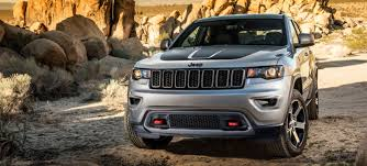 jeep grand cherokee trailhawk off road all the off road features of the 2017 jeep grand cherokee trailhawk