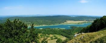 chambre d hotes jura region des lacs auberge des 5 lacs gîtes et chambres d hôtes dans le pays des lacs