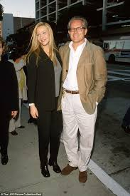 film up leeftijd lisa kudrow looks tickled to be on beverly hills date with michel
