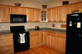 chalk paint for oak kitchen cabinets oak kitchen cabinets color