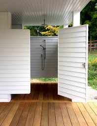 Outdoor Pool Showers - outdoor showers 20 ideas for bathing en plein air gardenista