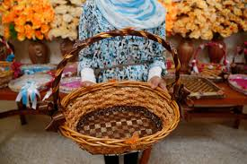 Home Business Ideas 2015 File A Young Syrian Refugee In Lebanon Shows A Basket That