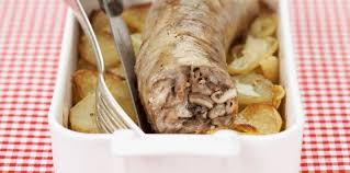 cuisiner des andouillettes andouillettes pommes boulangères facile recette sur cuisine actuelle