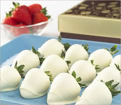 where to buy white chocolate covered strawberries 226 best chocolate strawberries images on desserts