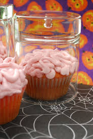 oogy boogy brain cupcakes and a video the domestic rebel