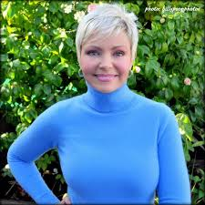 sam mohr new hair style samantha mohr weather channel hln cnn pixies haircut styles and