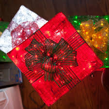 chicken wire frame lighted gift boxes chicken wire box and lights