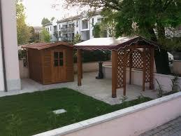 casette ricovero attrezzi da giardino barchessa con telo e casetta da giardino san in