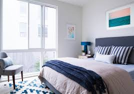 Maximize Space Small Bedroom by How To Maximize Space In A Small Bedroom Huffpost