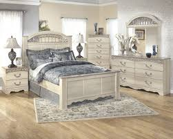 king poster bedroom set ashley catalina antique white 4 piece king poster bedroom set