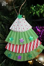 easy ornament for to make using cupcake liners and