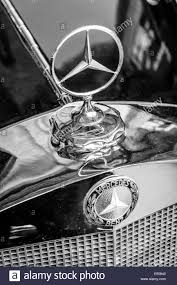 ornament of the mid size luxury car mercedes w21