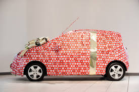 car wrapped in wrapping paper chevrolet uk gives you a chance to waste tons of paper benautobahn