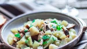 cuisiner les topinambours a la poele poêlée de topinambours aux chignons le safran cannellele