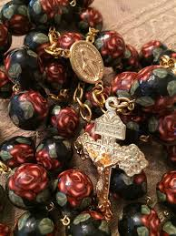 rosary shop 169 best rosaries images on rosary holy rosary