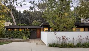 richard neutra u0027s midcentury modern bailey house is for sale