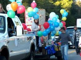 balloons that float christmas parade float filled with balloons and more