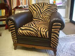 refection canape cuir restauration de fauteuil canapé cuir tapissier décorateur hervé