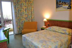 chambre ajaccio grande chambre picture of hotel castel vecchio ajaccio tripadvisor