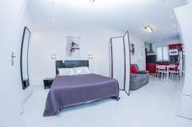 chambre d hotel avec cuisine studios hôtel de l horloge
