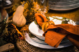 9 stylish thanksgiving place settings that will impress your guests
