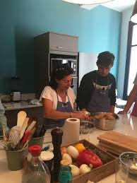 cours cuisine aix en provence mathilde patiently teaching picture of l atelier cuisine de
