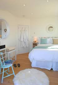 18 best the edge a small beach cottage in cornwall england with only one bedroom this little cottage is certainly smaller that most hillside homes with