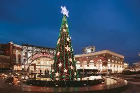 zona rosa tree lighting tis the season holiday events in kc