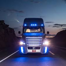how much does a volvo truck cost uber u0027s self driving truck startup otto makes its first delivery