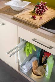accessoire pour meuble de cuisine accessoire cuisine équipée porte torchons et protection