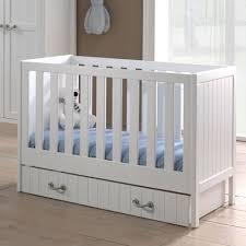 chambre bébé pin massif chambre bébé complète en pin massif blanc laqué marin blanc laqué