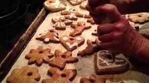 gingerbread cookies make cute christmas tree ornaments youtube