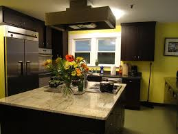 plinthes cuisine cuisine plinthes cuisine avec marron couleur plinthes cuisine