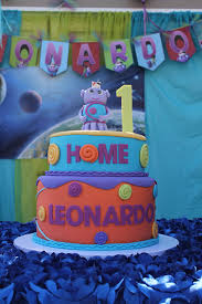 background decoration for birthday party at home boov cake with solar system background from the movie home leonardo