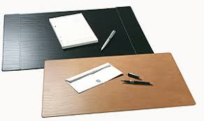 Leather Desk Mat by Recycled Leather Desk Mat 38 X 58 Cm Black From The Green