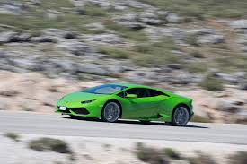 the thrill of tearing through the desert in a lamborghini huracan