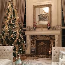 photos of homes decorated for christmas celebrity christmas decor 2016 glamour